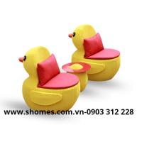bàn ghế nhựa mây vịt vàng thanh lí